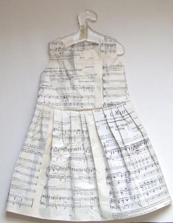 Music dress1