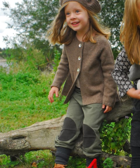 Apunktchen Patched trousers: Comfortable with snug ribbed fit around the ankle to keep legs warm and easy to tuck into wellies