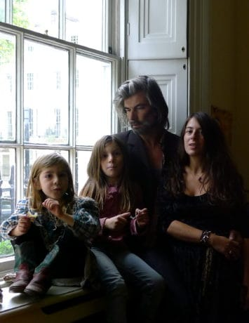 Formidable Family Ings - London