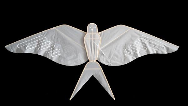Haptic Lab flying animals : handmade kites swallow kite