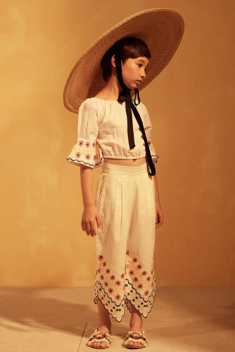 11107 - Tuchinda SS18 collection - Melosia Top - White - 12026 - Catalina Pant - White - Lifestyle 2
