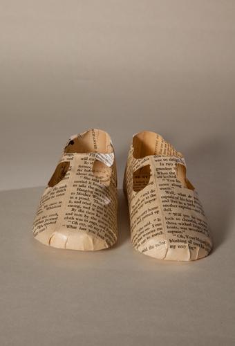 Baby shoe book 500