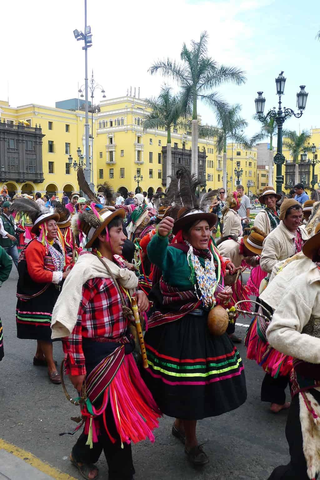 Peru street colours
